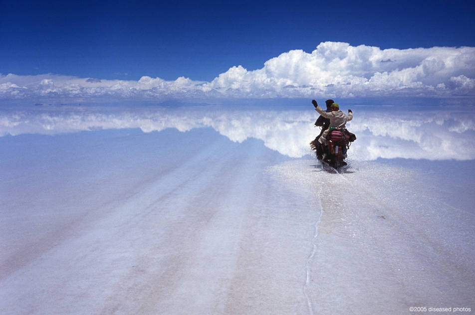 Salar de Uyuni is located in Bolivia