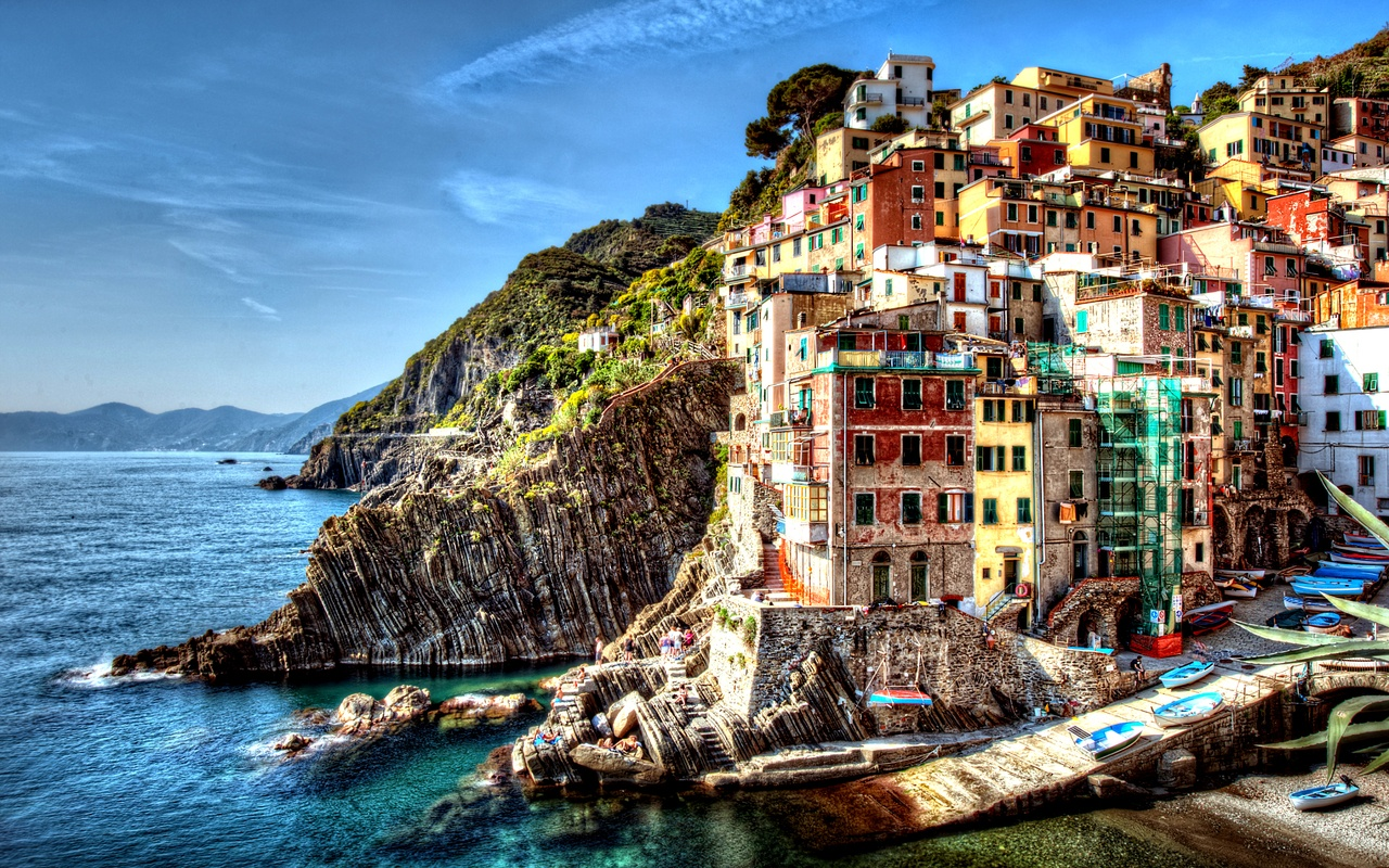 Best part of italy to visit cinque terre villages at the for Wallpaper italia