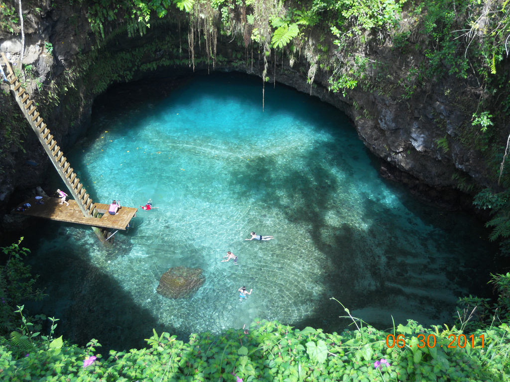 Swimming Sua Ocean Trench
