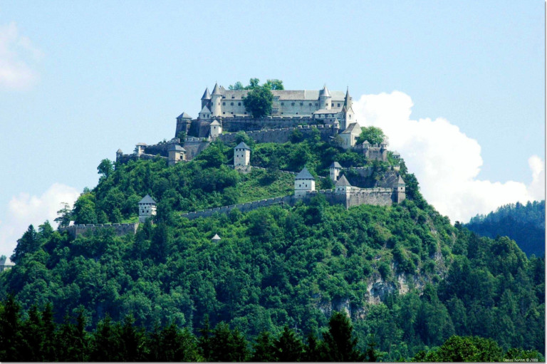 The greatest medieval fortress in Austria: Hochosterwitz Castle