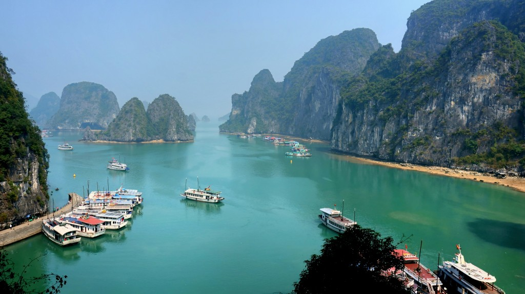 Halong Bay Travel, Paradise in Vietnam ...
