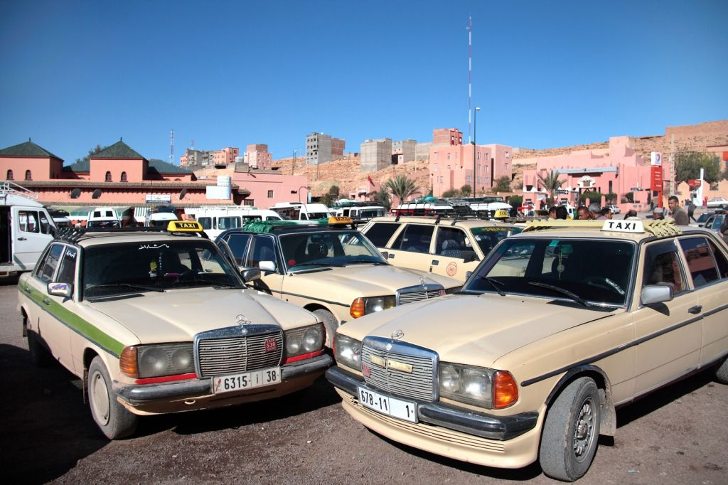 Typical Grand taxi spot in Morocco