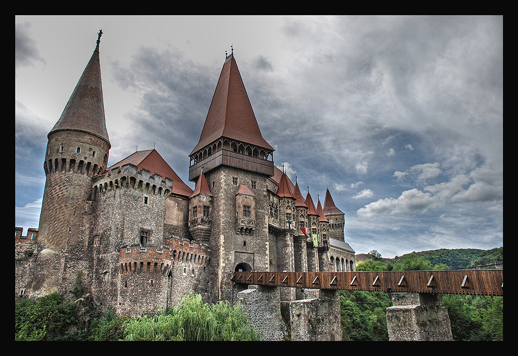 Corvinesti Castle is another beautiful castle located in Transylvania.