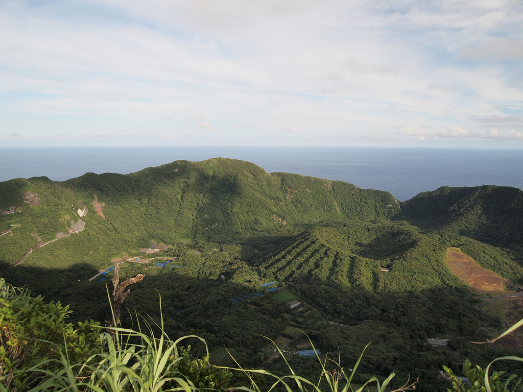 The highest cliffs on Aogashima Island is Otonbu