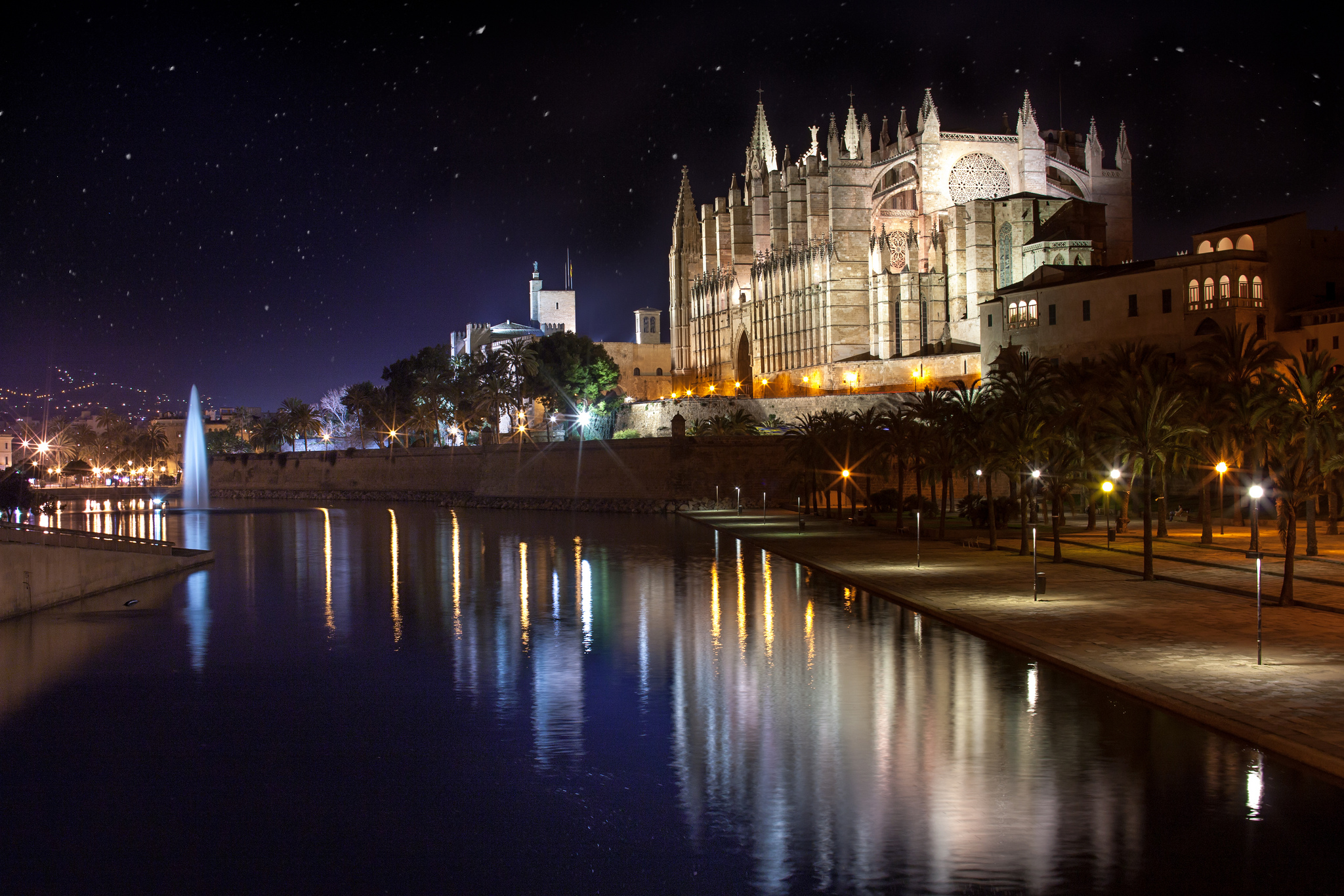 The landmark of Palma de Mallorca is the cathedral
